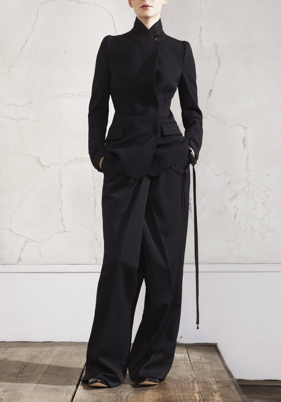 Narrow Shoulder Jacket and Oversized Pants